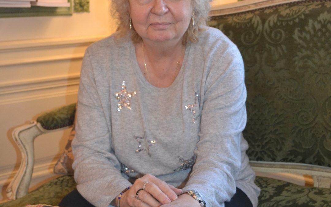 Myriam Chanson : « Le tarot aide à réfléchir sur ce que l'on vit »